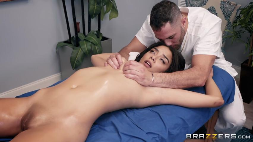 Sexy back rub transforms into an erotic fuck