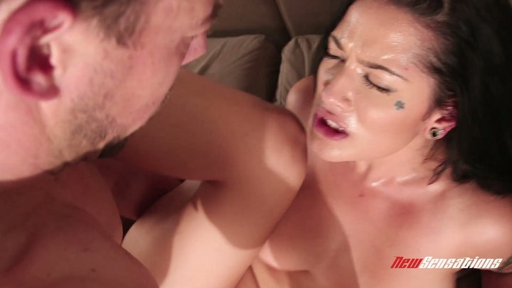 Suffering chicken satisfying fun with buxom sex bomb Katrina Jade