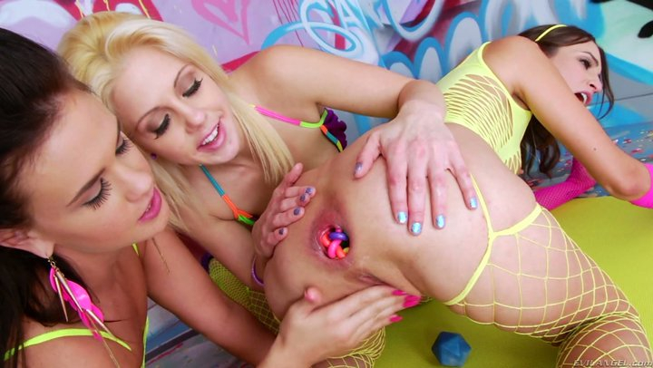 Golden Rayne gets her butt head annihilated by Roxy Raye and Holly Hanna