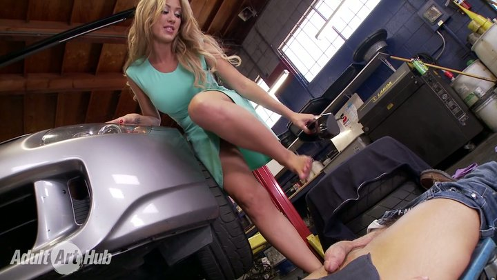 Scandalous MILF with huge udders Capri Cavanni makes out with vehicle repairman